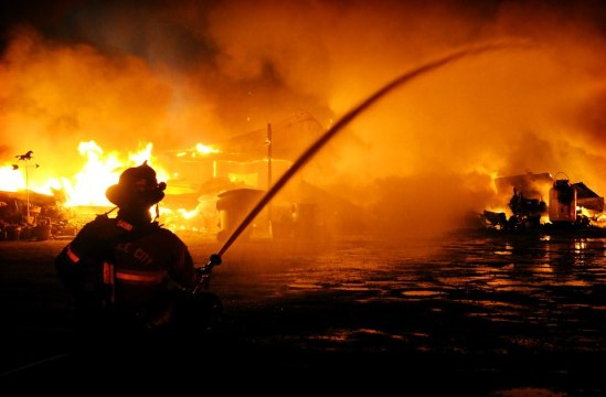 Vacaville firefighter battles flames